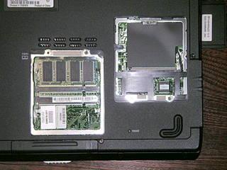 nx9005の裏面 ミニPCIスロットとメモリースロットの確認